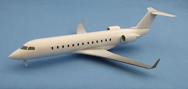 CRJ-28.jpg