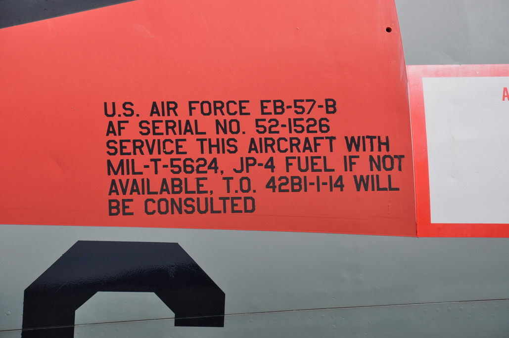 EB-57B%20007_resize.JPG