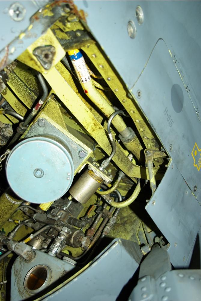 fuelbay5.jpg