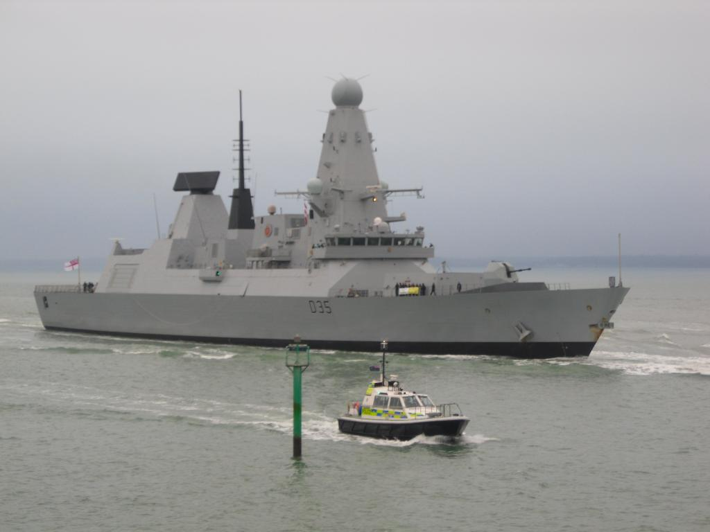 type 45 daring class destroyer royal navy maritime